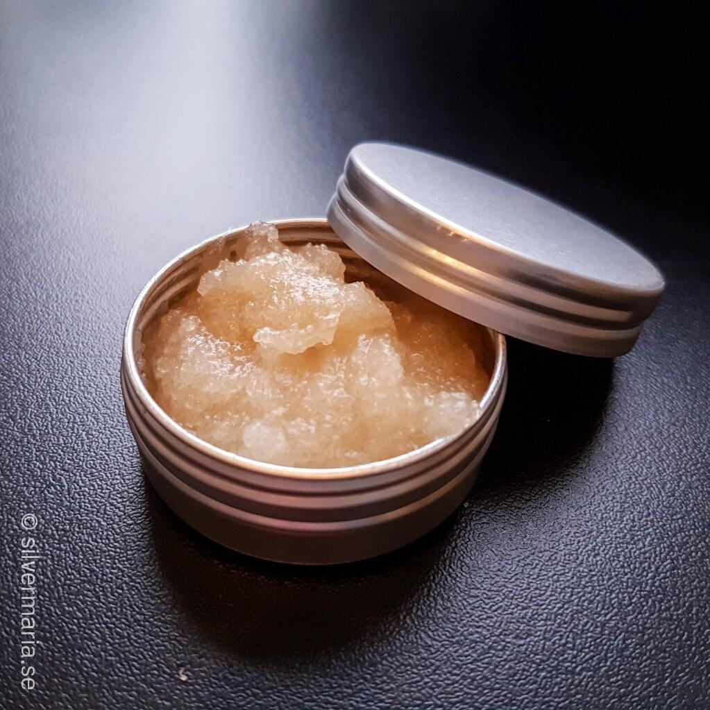 DIY Lip Scrub Cococnut Vanilla Silvermaria