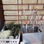 En välkomnande tomtearmé – ett enkelt julpyssel